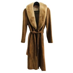 🍁70s Vintage Tan Suede & Mink belted Trench coat